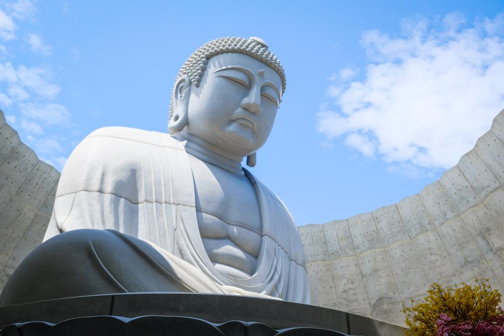 仏像を作成する職人