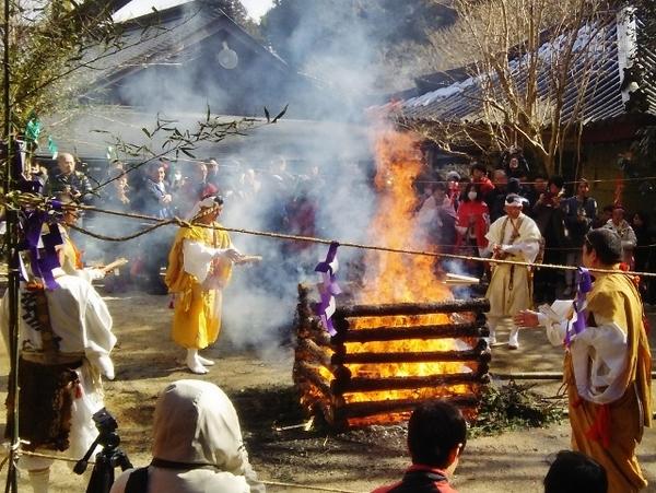 龍蔵寺 春の観音祭り・柴燈護摩供 (山口営業所ブログ更新)